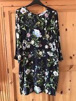 Beautiful Dress By Savannha Miller Size 8 Vgc
