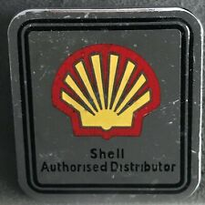 SHELL PETROL OIL AUTHORISED DISTRIBUTOR ENAMEL CAP BADGE