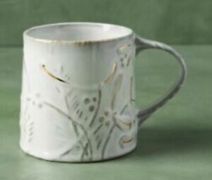 NEW ANTHROPOLOGIE YULETIDE MISTLETOE CHRISTMAS HOLIDAY MUG CUP GOLD ACCENT WHITE