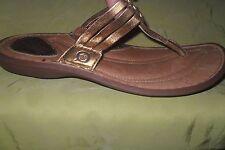 womens BORN shoes metallic   Thong Flip Flops Sandals - Size 8 EURO 39 EUC