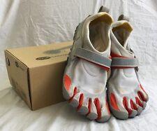 Size 43 Vibram FiveFingers Bikila Men's Barefoot Running Shoes M343 Lt.Grey/Red