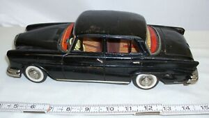 MERCEDES BENZ 220S FOUR DOOR CAR TIN FRICTION TOY CAR WITH LIFT BY SSS OF JAPAN