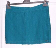 Jolie mini-jupe en dentelle vert / turquoise VOLCOM T 34 TBE