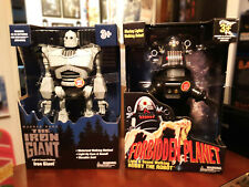 Forbidden Planet Robby The Robot and The Iron Giant Walmart Exclusive 2020 New!