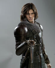 Ben Barnes UNSIGNED photo - E1305 - The Chronicles of Narnia