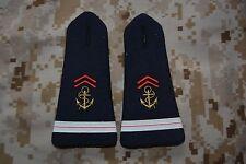 E032 passant pattes d'épaule épaulettes fourreaux insigne militaire armée galon