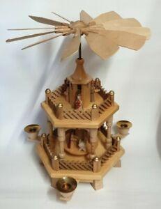 Weihnachtspyramide, Holz,  33cm, Holzfiguren, Tischdekoration, Kerzenständer