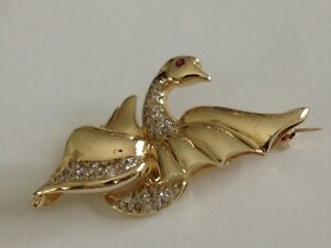 Diamond and Ruby Swan Pin Brooch 14k yellow gold 1 carat round diamonds