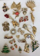 24 Pc Vintage Pin/Brooch Lot