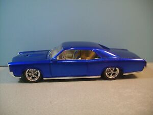 Rare 1:18 Scale Bright Purple 1966 PONTIAC GTO COUPE Diecast By HOT WHEELS