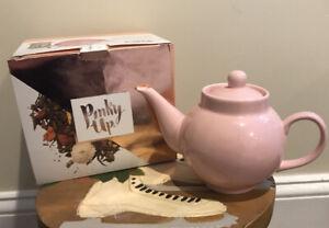 Pinky Up Regan Light Pink Ceramic Teapot And Infuser