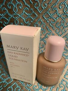 Mary Kay Day Radiance Liquid Foundation delicate beige 1oz New Old Stock 6327