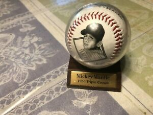 MICKEY MANTLE COMMEMORATIVE TRIPLE CROWN BASEBALL WITH STAND, LN, L@@K!!