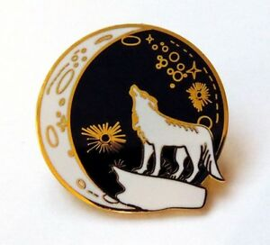 Wolf Howling at the Moon Lapel Pin Badge, Wolf Brooch, Fenrir, Dire Wolf, Pagan