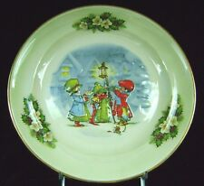 Royal Worcester Palissy Christmas Carolers Porcelain Holiday Plate Green 9 1/4""