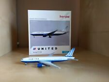 United airlines  Boeing 777-200 1:500 scale model by Herpa