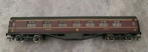 Airfix 54202-1 oo gauge coach 60ft composite corridor LMS box well used