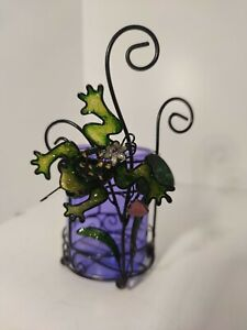Tumbler with toothbrush holder with decorative frog