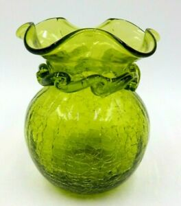 """VINTAGE 5"""" TALL CRACKLE GLASS RIGAREE HAND BLOWN RUFFLED TWIST GREEN VASE"""