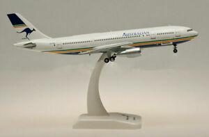 1/200 Australian Airlines (Qantas) Airbus A300B4 1990's livery VH-TAA