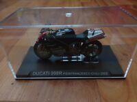 1/24 DEAGOSTINI IXO - DUCATI 998R PIERFRANCESCO CHILI 2002 DIECAST MOTO GP BIKE