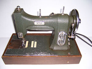VINTAGE WHITE ROTARY SERIES 77 SEWING MACHINE WITH CASE AND ACCESSORIES WORKS!