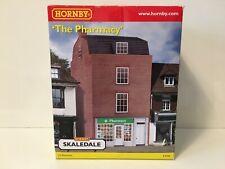Hornby Skaledale R9768 OO Gauge Building 'THE PHARMACY'