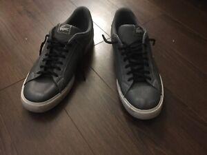 Lacoste Tennis Shoe Size 10 Grey