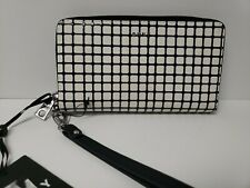 DKNY BRYANT WRISTLET ZIP AROUND WALLET NEW