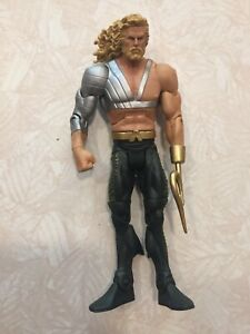 """DC Signature Collection Aquaman With Hook 6"""" Figure"""
