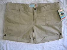 HANG TEN JUNIORS SHORT SIZE 13 NEW WITH TAG $36