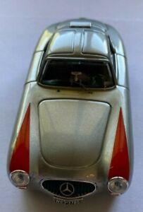 Bang Models 7241 Mercedes 300SL 1952 Coupe Metallic Grey : 1/43 Red Wings