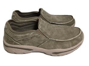 NWOB Skechers S/N 65355 Creston Memory Foam Mens Shoes SZ 9.5.