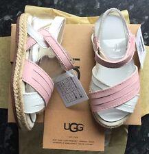 Girls UGG sandals Addilyn Pink/White Size Kids UK 10 BNIB