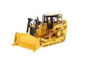 Caterpillar® 1:50 scale Cat D8T Track-Type Tractor - Diecast Masters 85299C