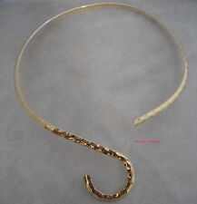 gold plated hammered neckwire choker with curve