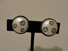 """Hong Kong black & white clip earrings .75"""" diameter"""