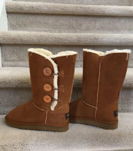 Women's Classic 3 Button Ugg Boots New Without Box Fall/Winter Fits Like 9/9.5