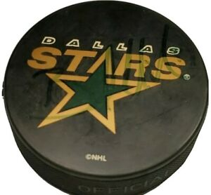 UNKNOWN SIG! SIGNED DALLAS STARS VINTAGE OFFICIAL HOCKEY PUCK NHL INGLASCO