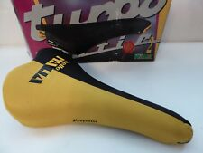 Vintage NOS Classic Selle Italia Turbomatic 2 Black and Yellow Saddle 4 Colnago