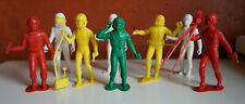 Mexican vintage 8 Spacemen Plastic Space Colorful Playset Astronaut 1970s