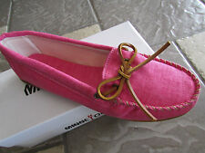 NEW MINNETONKA CANVAS MOCCASIN SHOES  WOMENS 11 HOT PINK  MOCS FREE SHIP