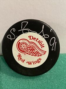 Sergei Fedorov #91 Signed Auto Detroit Red Wings Puck JSA COA