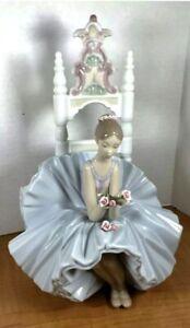 "MINT! Lladro ""Ballerina on Throne"", #6485 Gorgeous details."