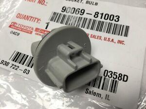 Genuine Toyota Marker & Signal Lamp Bulb Socket 90069-81003
