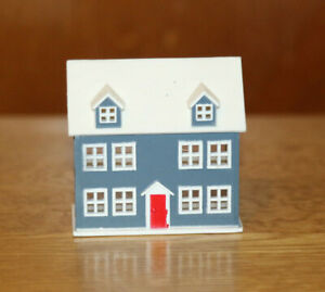 Dolls' House Miniatures - Small plastic dolls' house