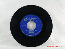 THE BON BONS -(45)- THAT'S THE WAY LOVE GOES / MAKE MY DREAMS COME TRUE  -  1955