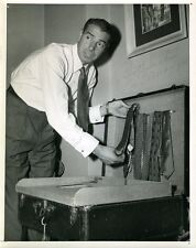 JOE DIMAGGIO 1949 SIGNED JSA CERTED ORIGINAL 6X9 WIRE PHOTO AUTOGRAPH