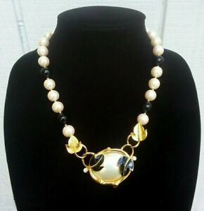 Rare Vintage Crown Trifari Unsigned By Kunio Matsumoto Faux Pearl Bead Necklace