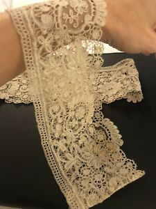 ANTIQUE LACE TWO BRUSSELS POINT DE GAZE Venice? CUFFS Needle Hand Made Victorian